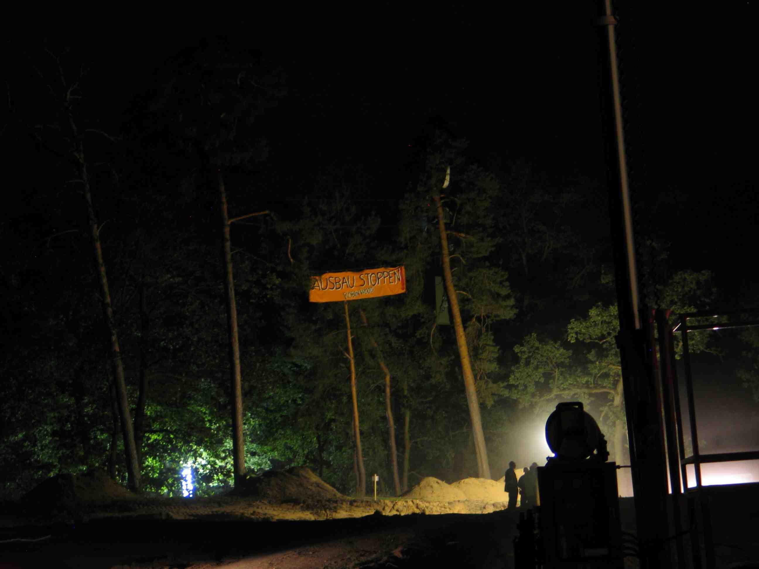 baumbesetzung nachts